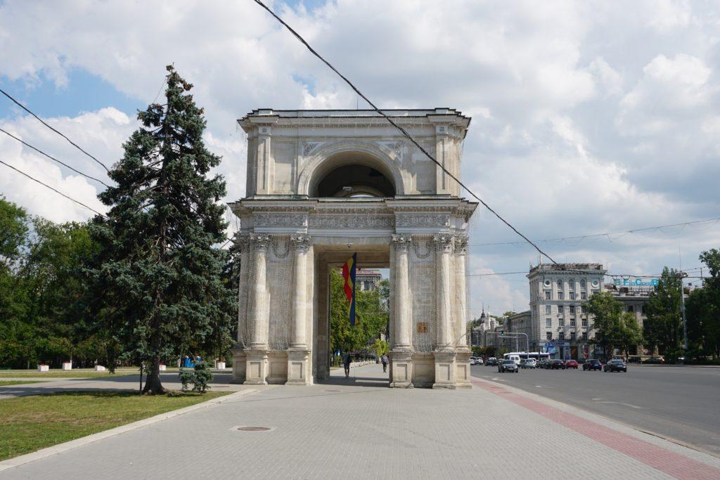 arc de triomphe chisinau