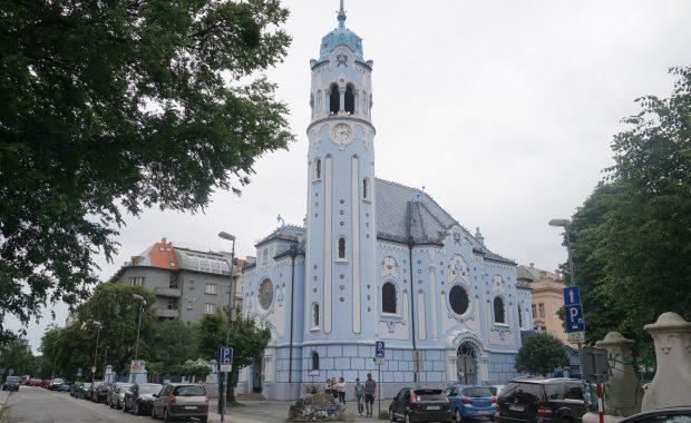 bratislava eglise bleue