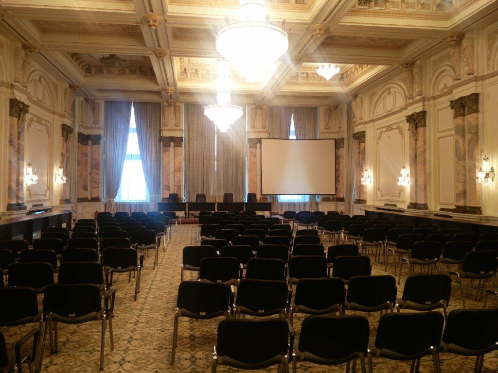 salle de reunion palais du parlement bucarest