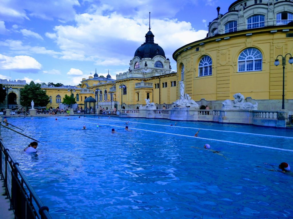 széchenyi thermal bath pool