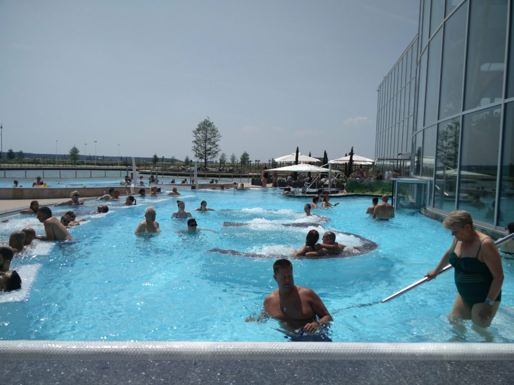 therme bucuresti bucharest outdoor pool