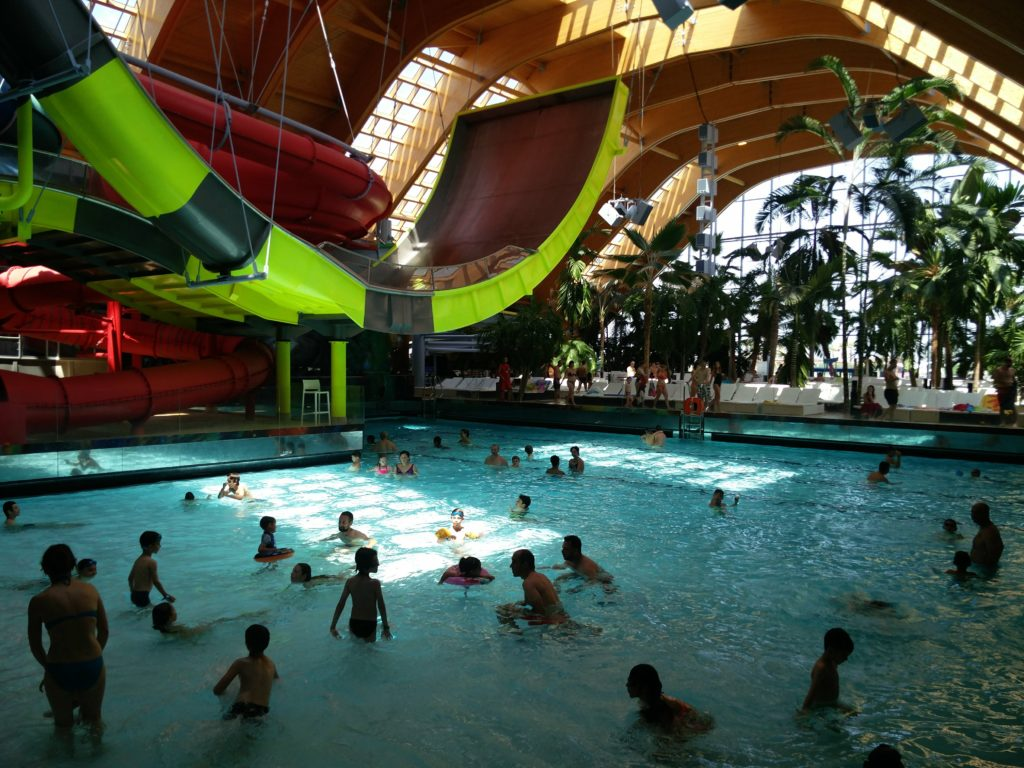therme bucuresti galaxy pool