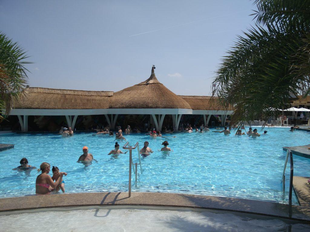 therme bucuresti piscine exterieure