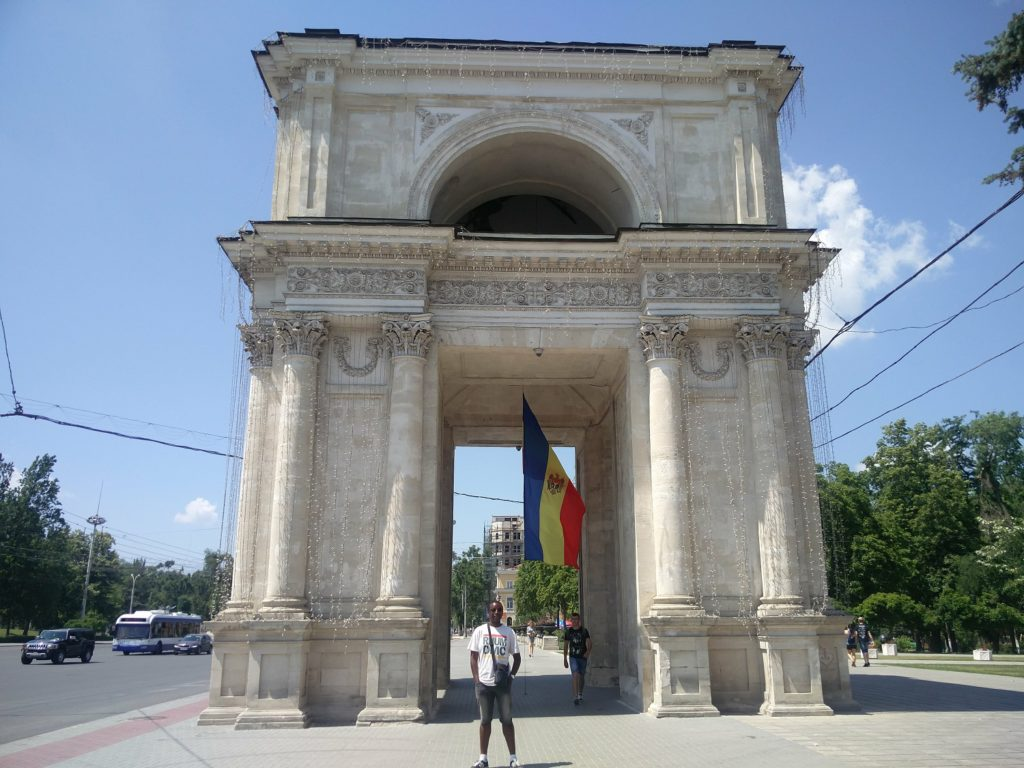 arc de triomphe chisinau moldavie