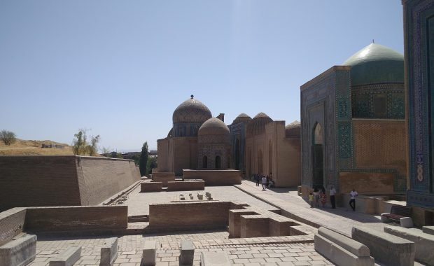 interieur necropole shah i zinda samarcande etre noir et voyager