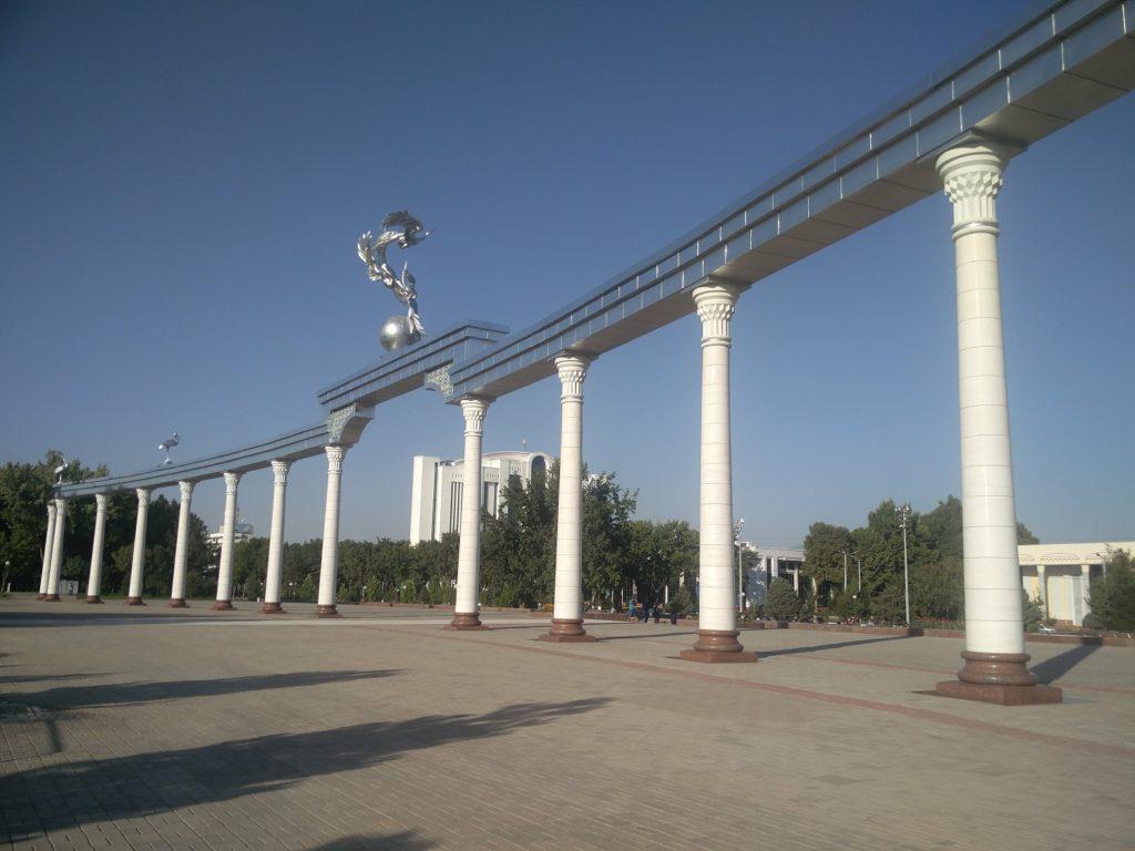 place de l'independance tachkent