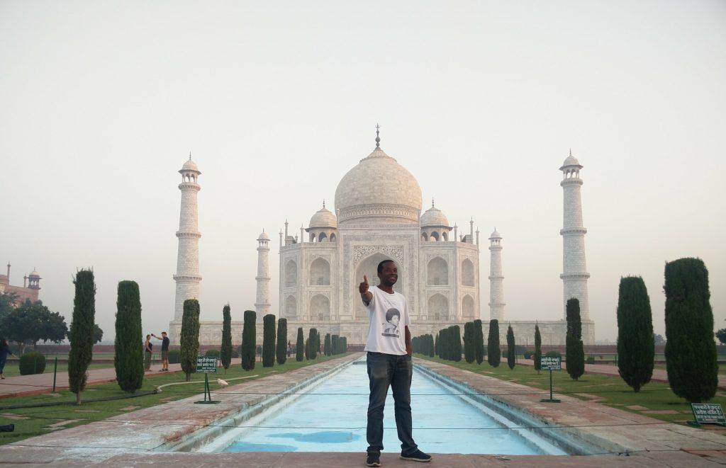 taj mahal india travel solo