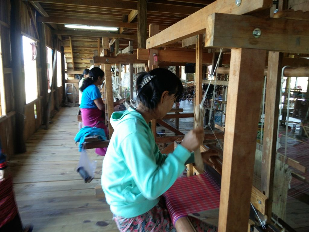 workshop longyi inle lake
