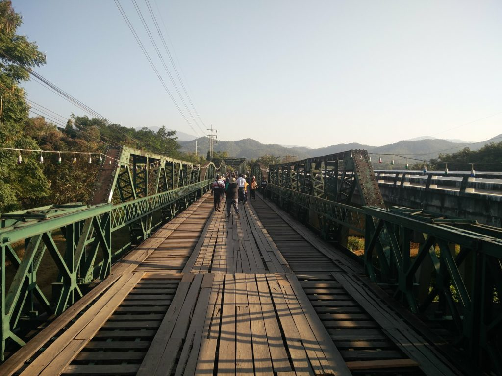 memorial bridge pai thailand