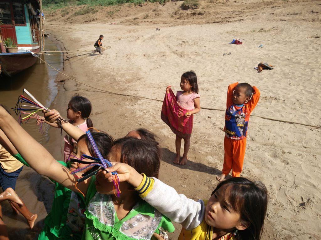 enfants mendiants begpackers