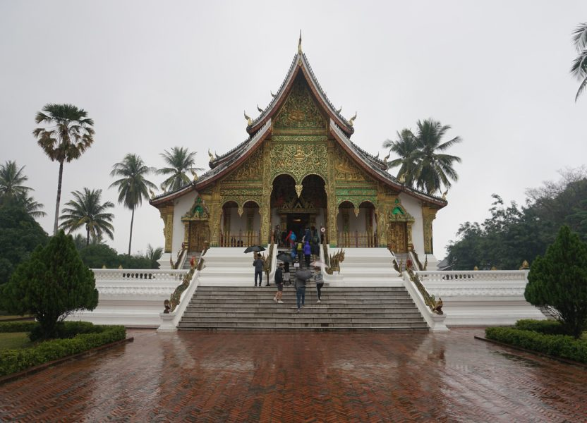 Luang Prabang : temples, monks and drugs