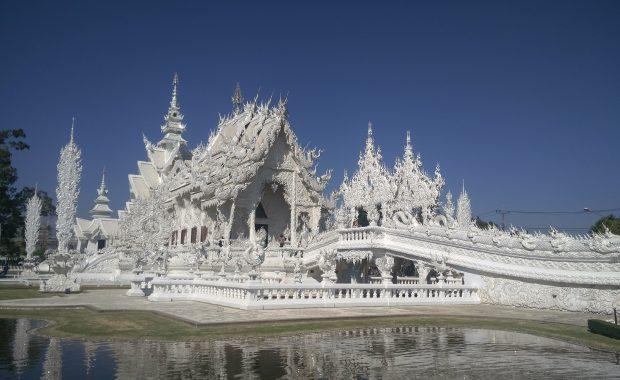 temple blanc chiang rai