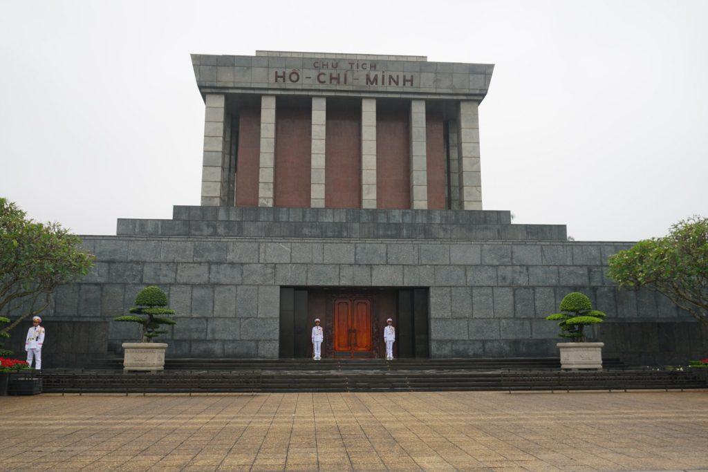 mausolee ho chi minh hanoi
