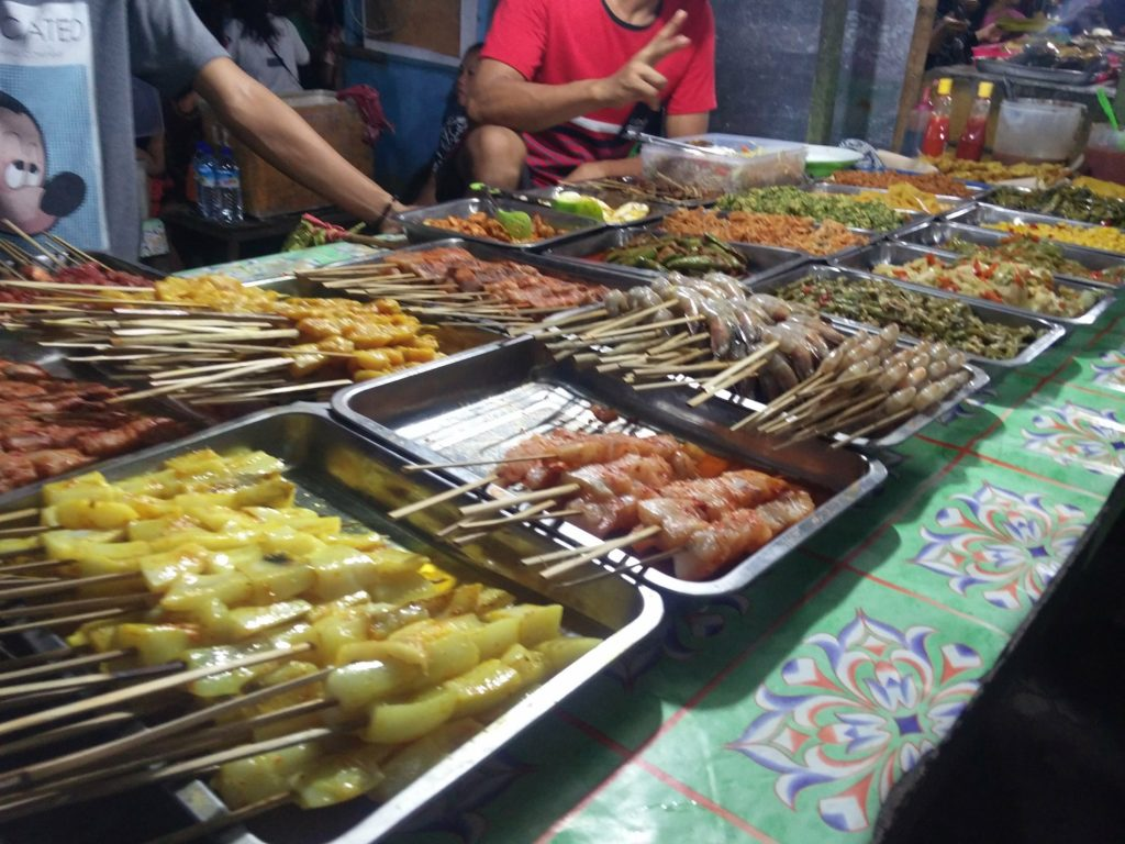 night market iles gili
