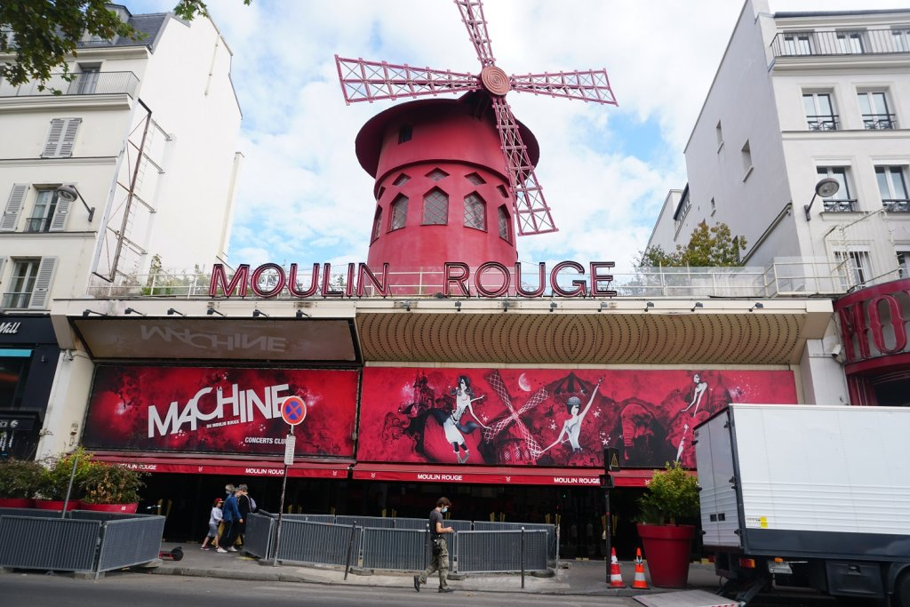 moulin rouge paris noir
