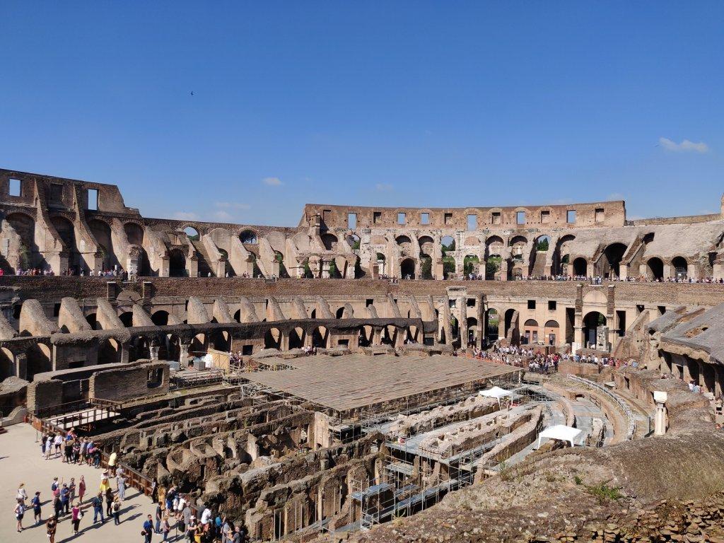 interieur colisée rome