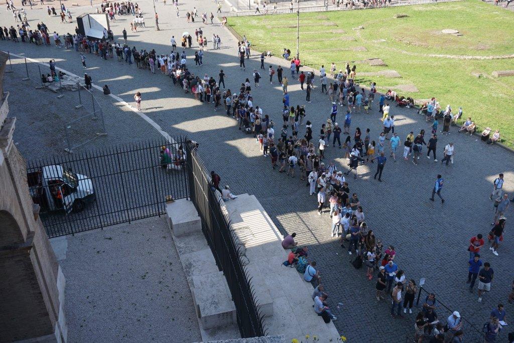 queue colisée rome